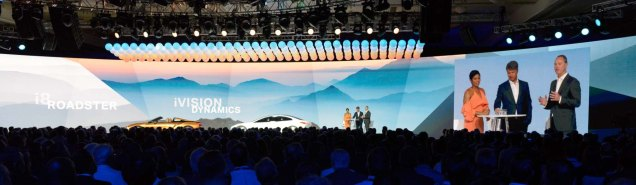 Präsentation auf gigantischem Monitor für BMW-Kundentreffen in Las Vegas